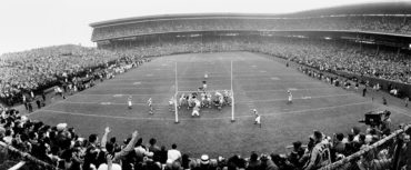 Wrigley Field, Chicago, IL, November 17, 1963 – Bears defense pounds Green Bay Packers in 26-7 win