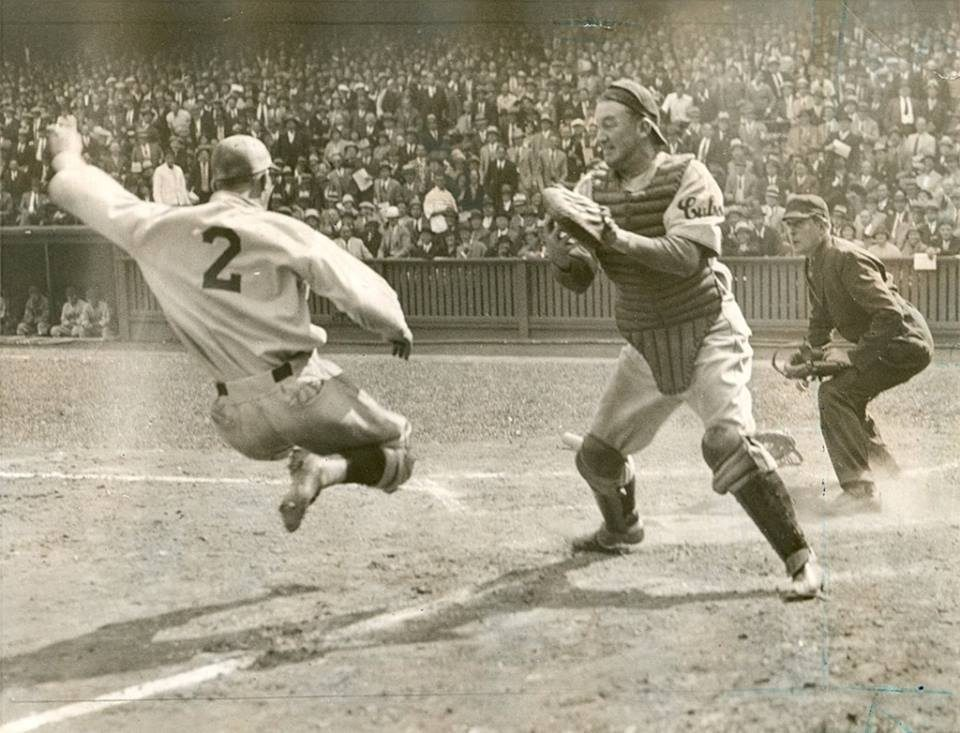 The Greatest Catchers Of All Time – In Terms of Throwing Out Base Stealers!
